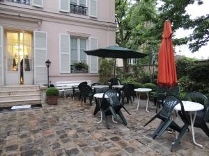 Hotel des Grand Ecoles, Paris