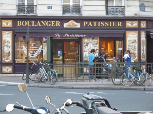 Pastries, baguettes, quiche ... oh my!