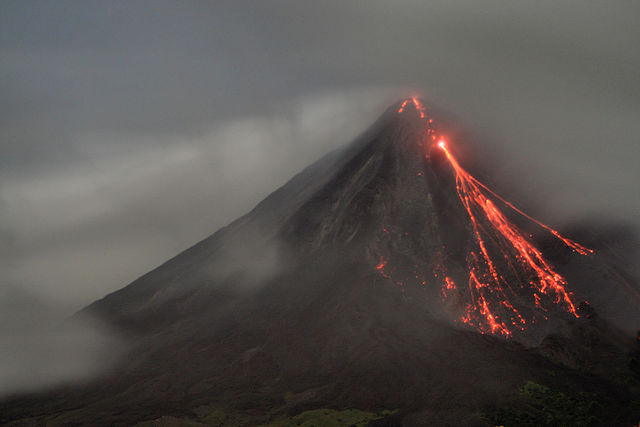 Costa Rica - Arenal volcano at night