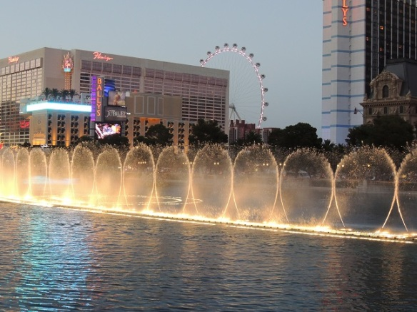 Vegas - Fountains at Bellagio - 2014   (9)