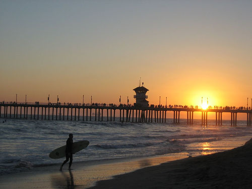 surfer - Huntington_Pier_Surfer