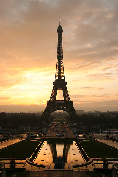 Eiffel Tower at sunrise - 2005